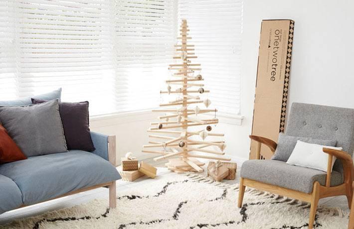 современные новогодние елки из подручных материалов в интерьере