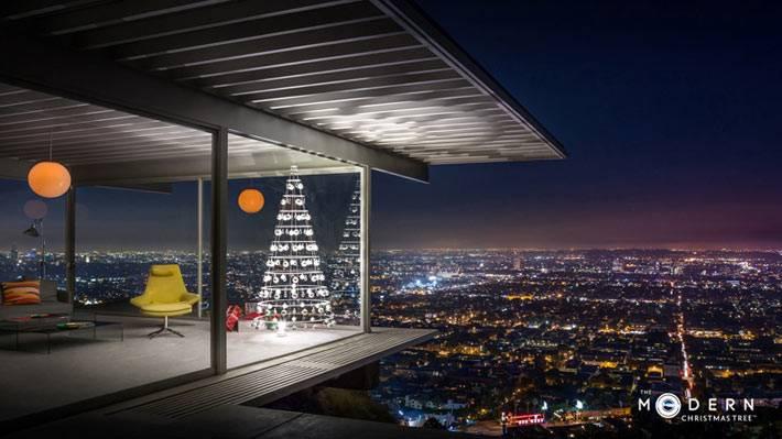 современный интерьер дома с креативной елкой фото