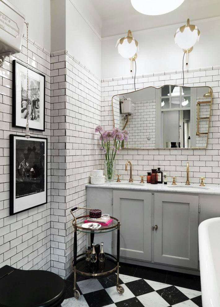 дизайн ванной комнаты с белой плиткой-кирпичиком