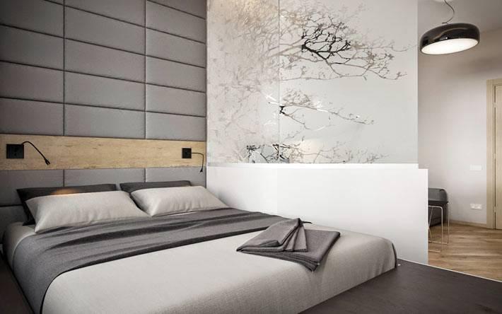 спальная зона на подиуме в маленькой квартире