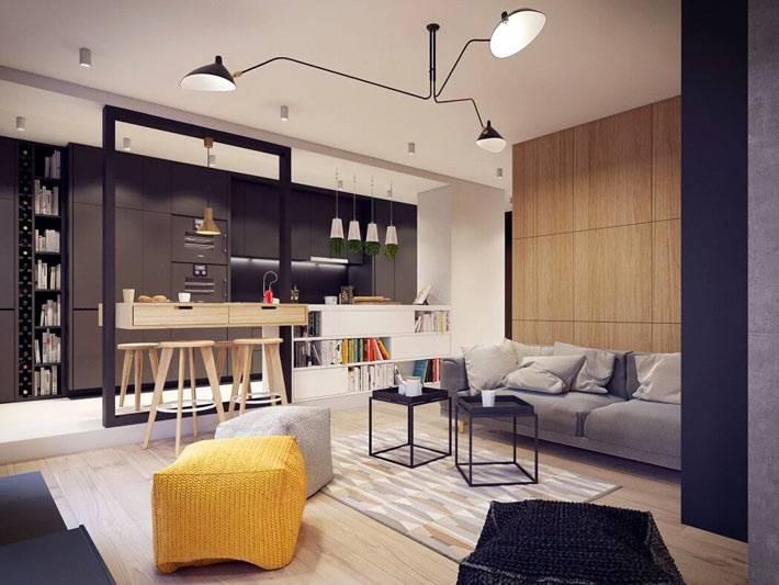 деревянные панели на стене в гостиной комнате фото
