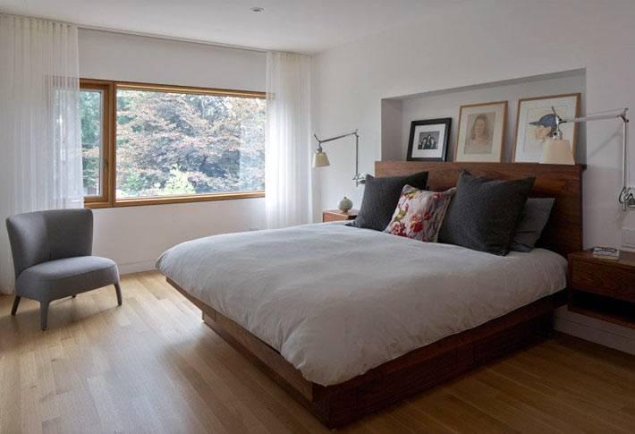 дизайн интерьера спальни с полко-нишей для картин