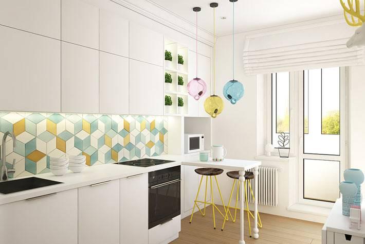 Кухонный фартук из плитки-мозаики пастельных оттенков фото