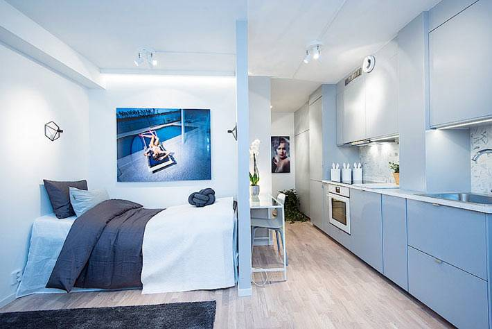 Интерьер квартиры-студии в голубом цвете фото