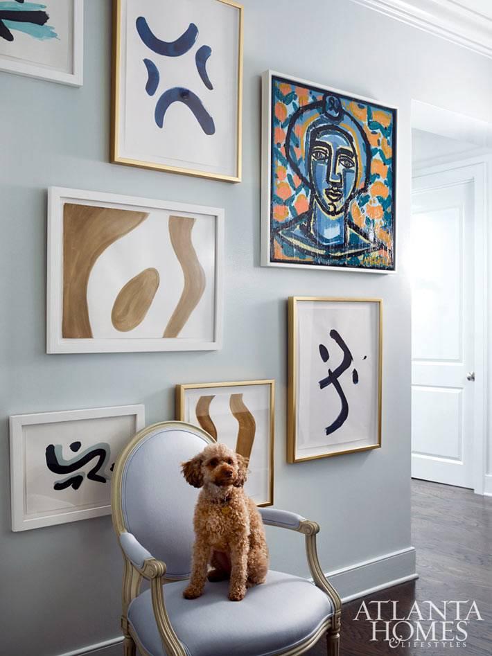 Абстрактные картины на стенах в квартире фото