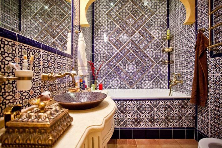 Богатая ванная комната в марокканском стиле фото