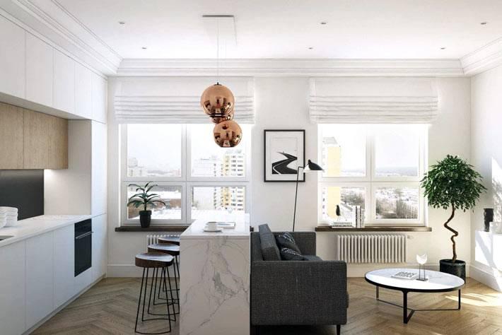 деревянный паркет на полу в однокомнатной квартире