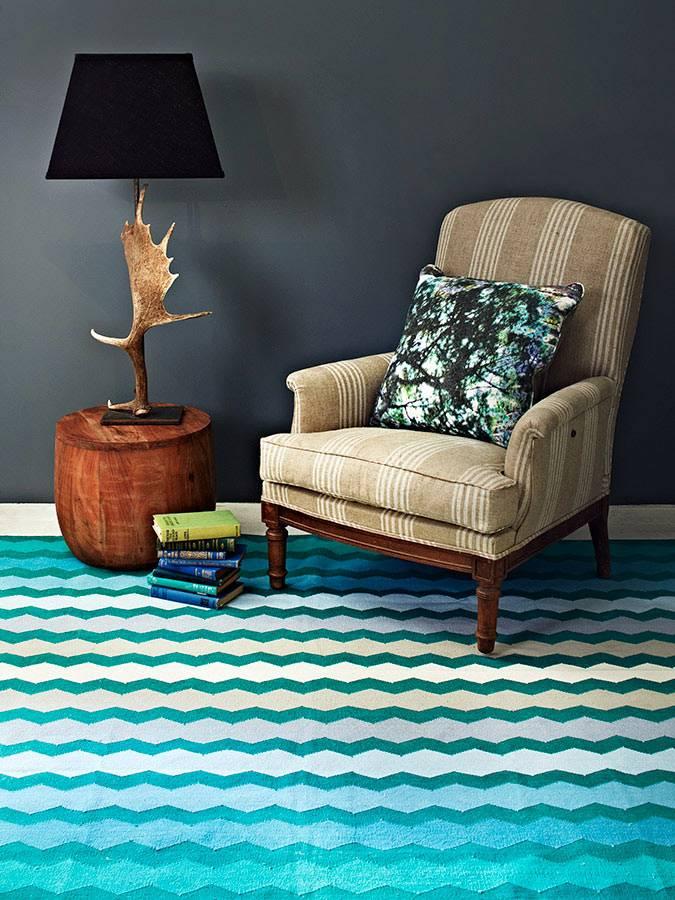 Уютная комната для отдыха с текстилем от Fenton&Fenton фото