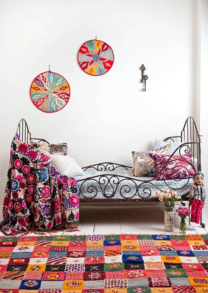 Дизайн детской комнаты с текстилем в стиле печворк фото