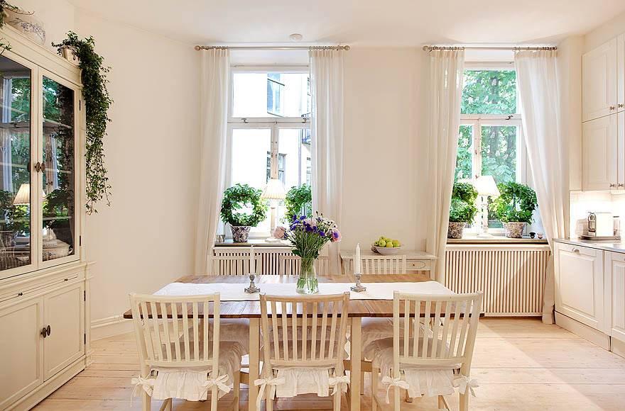 Бежевая гамма в дизайне скандинавской столовой комнаты фото