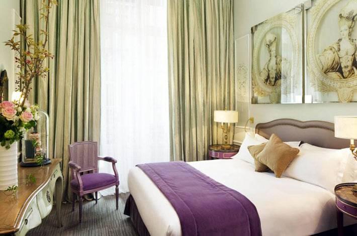 нежные оттенки в романтическом интерьере спальни
