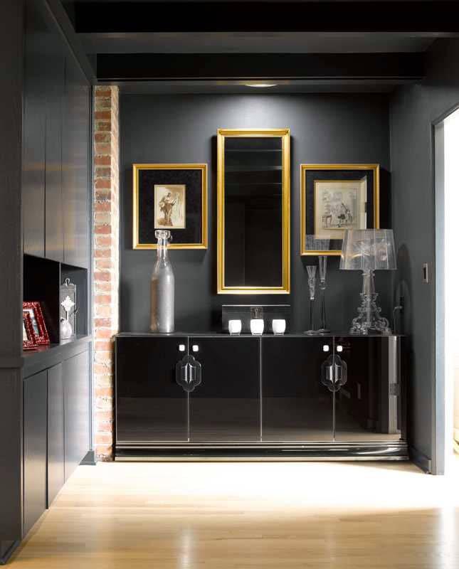 классика - сочетание черного и золотого в дизайне