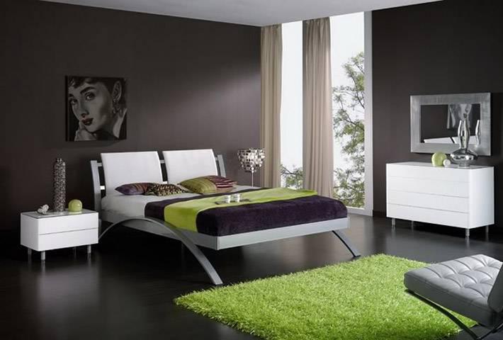ковер greenery в черном интерьере спальни