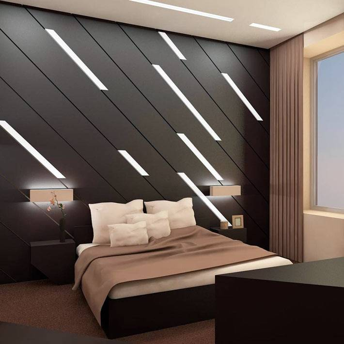 диагональная подсветка на стене спальни фото