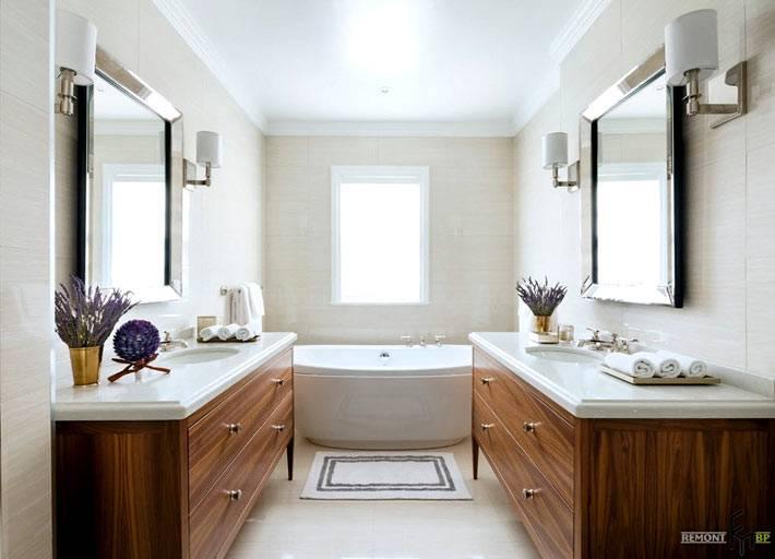 Большой интерьер ванной с двумя раковинами друг напротив друга фото