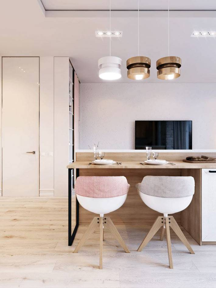 модные стулья-кресла за обеденным столом в квартире