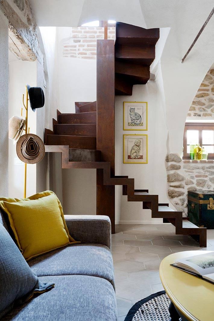 лестница с эффектов ржавчины в доме фото
