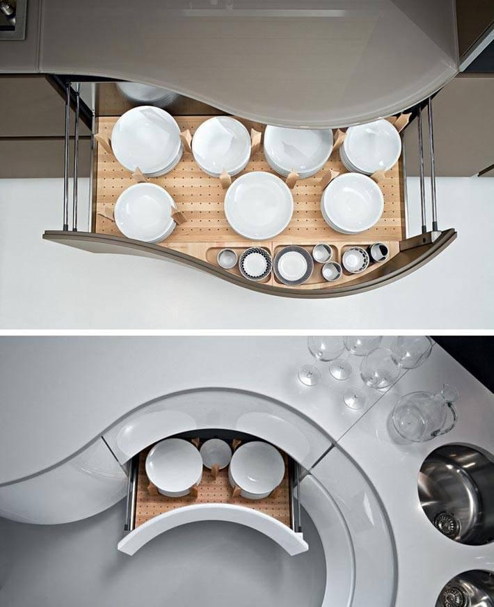 необычное хранение тарелок в ящиках стола на кухне