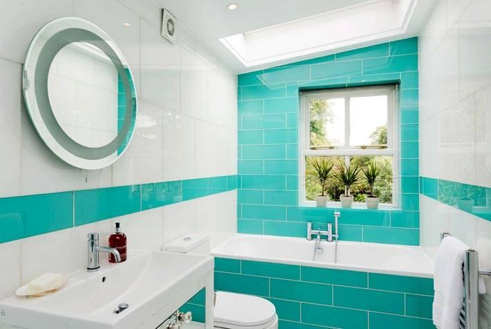 сочетание белого и бирюзового цветов в дизайне ванной комнаты