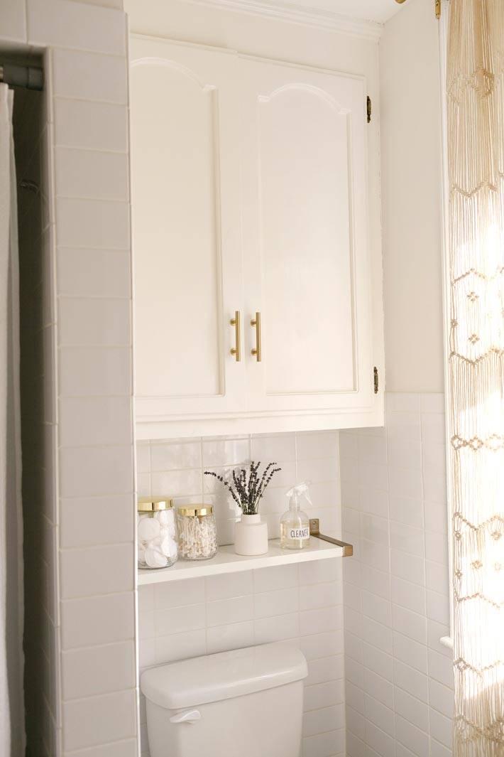 шкаф в туалете над унитазом фото