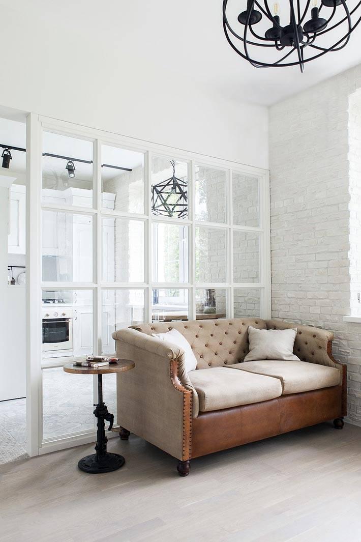 дизайн однокомнатной квартиры-студии в белом цвете