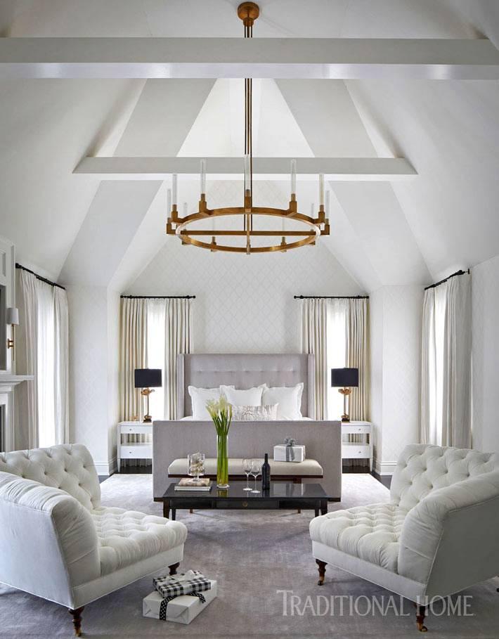 великолепный дизайн спальни с конусным потолком