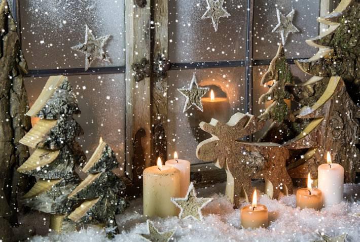 новогодняя снежная композиция на окне фото