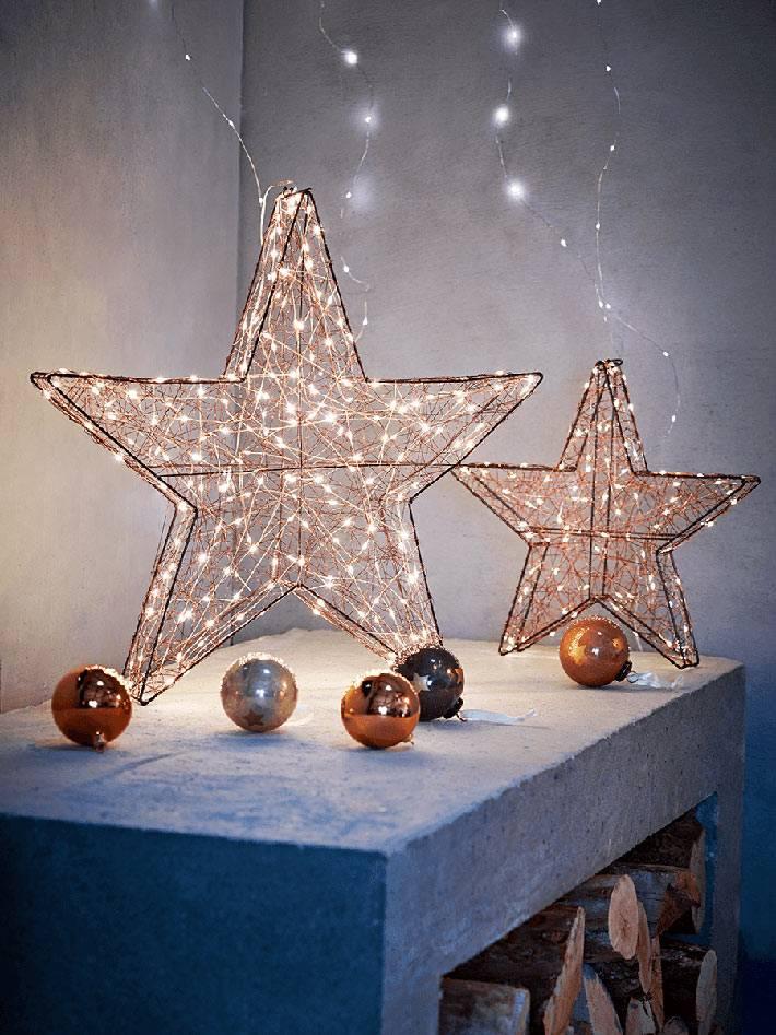 Блестящие звезды с проволочной гирляндой фото