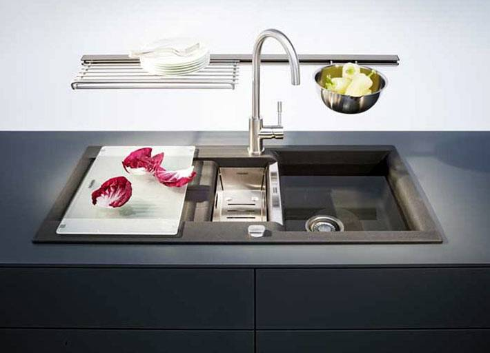 Двойная прямоугольная кухонная мойка Franke фото