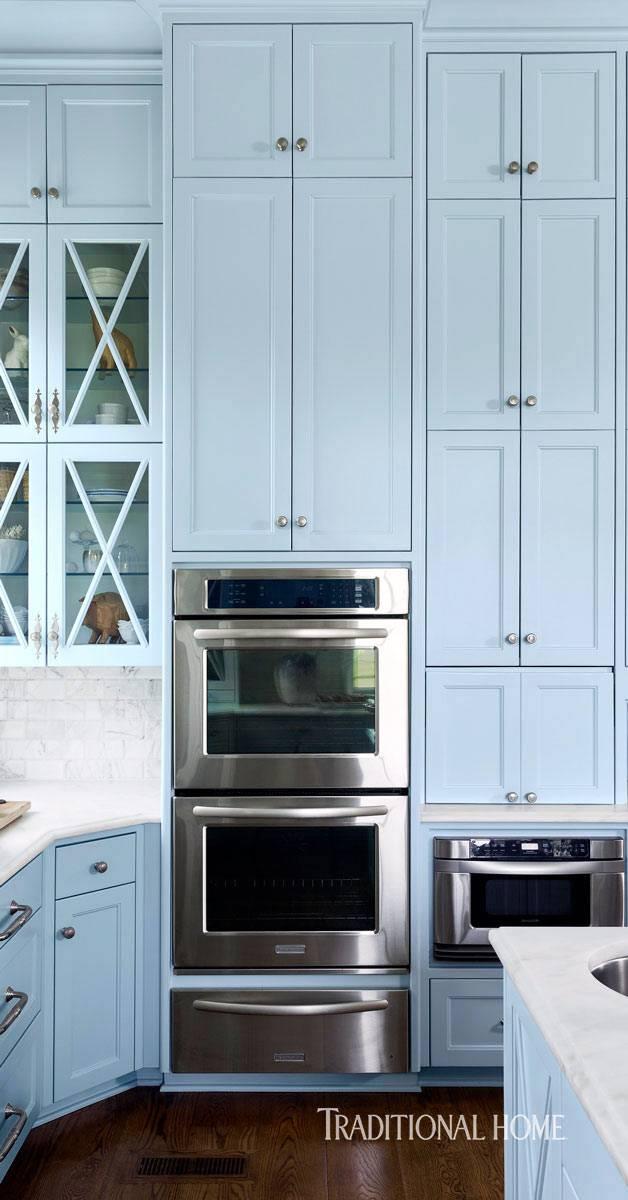встроенный духовой шкаф в интерьере кухни фото