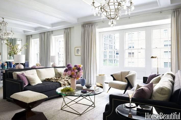 гостиная комната со столовым залом в бежевом цвете