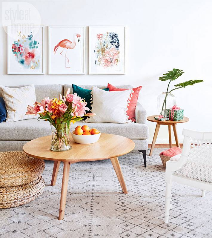 красивые картины с летними рисунками на стене дома фото