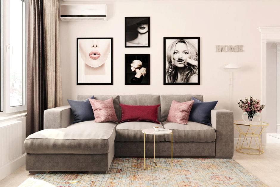 галлерея из картин над диваном в гостиной комнате