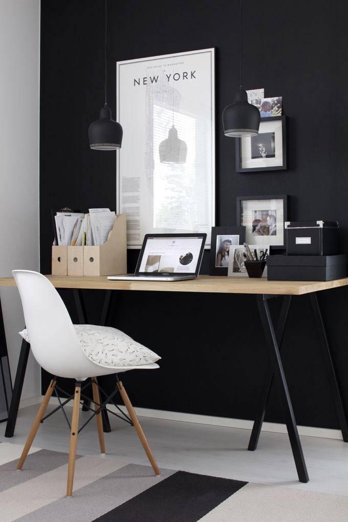 дизайн домашнего офиса в черно-белом цвете
