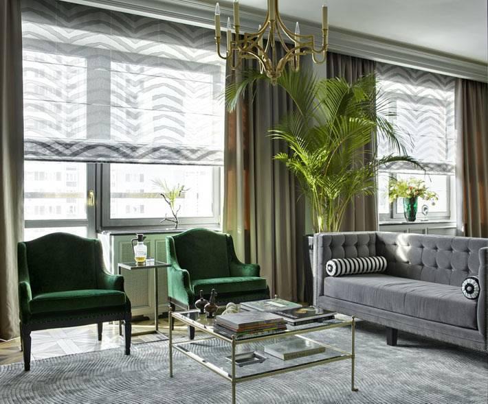 антикварная мягкая мебель для гостиной в квартире