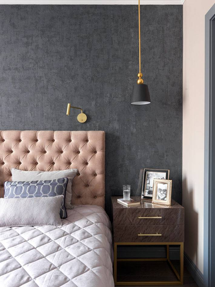 пудровый розовый цвет для мягкого изголовья кровати