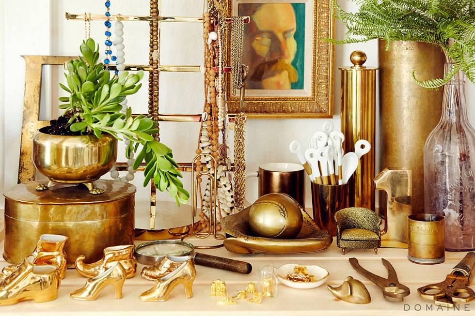 мода на золотые аксессуары и детали декора в интерьере