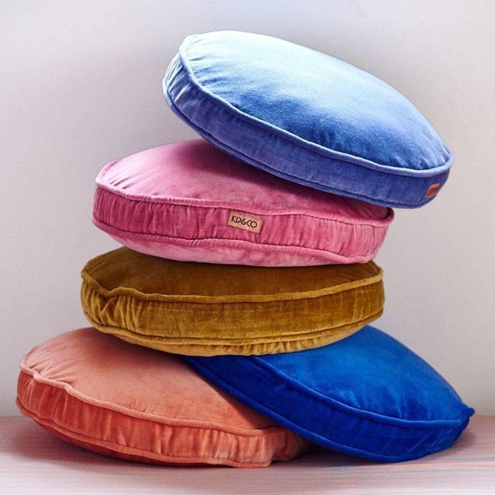 бренды предлагают широкий выбор вельветовых подушек