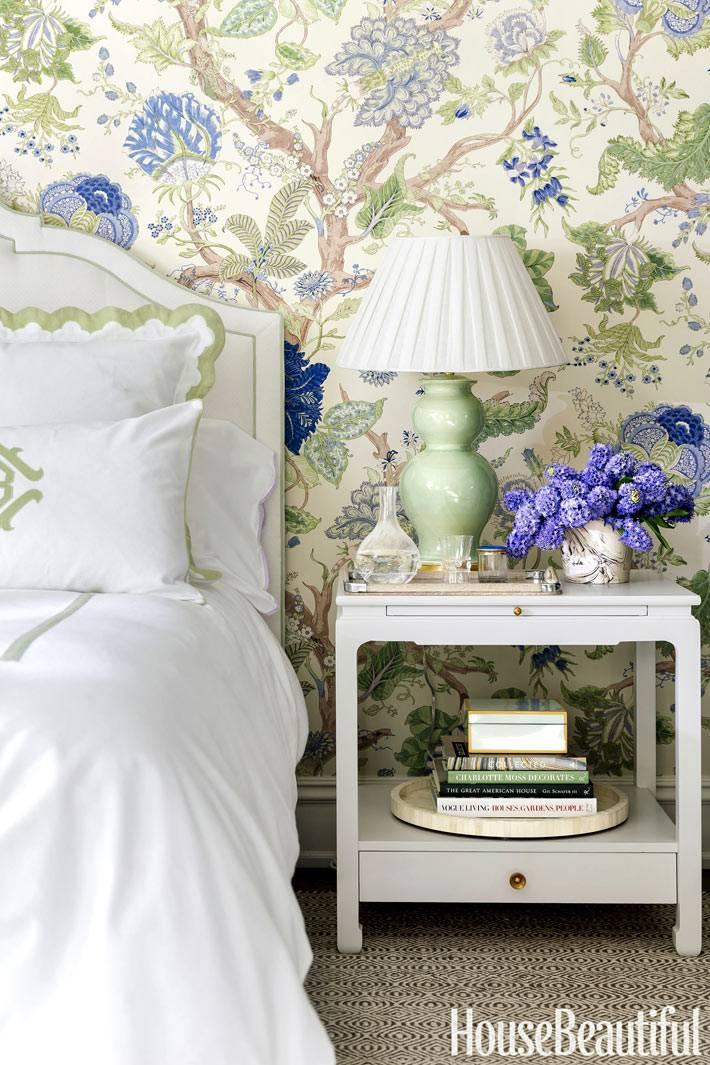красивые обои с цветочным рисунком для спальни фото