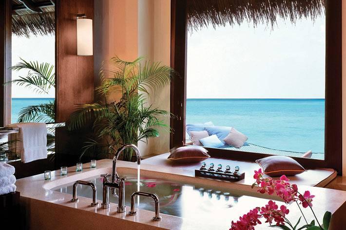 романтическая ванная комната в одном из отелей фото