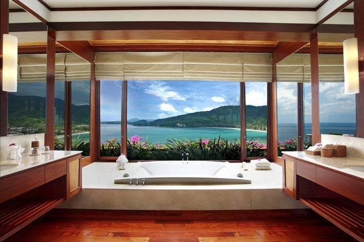 роскошная ванная комната из виллы в курортном городе