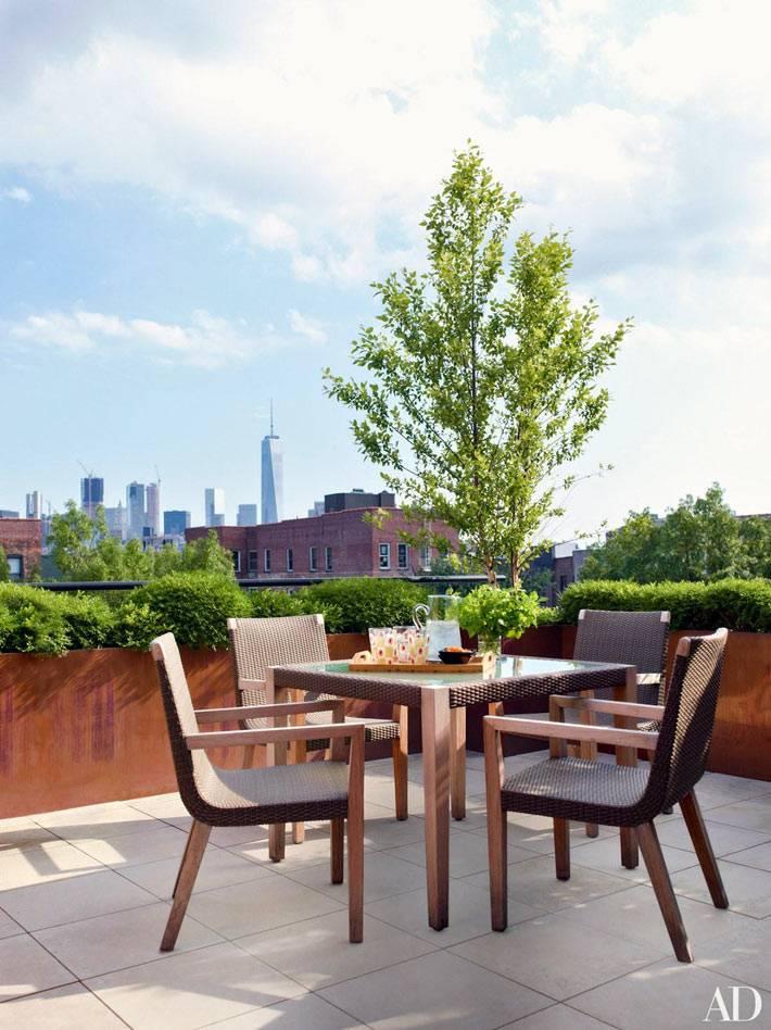 таунхаус в Нью-Йорке с открытой террасой на крыше фото