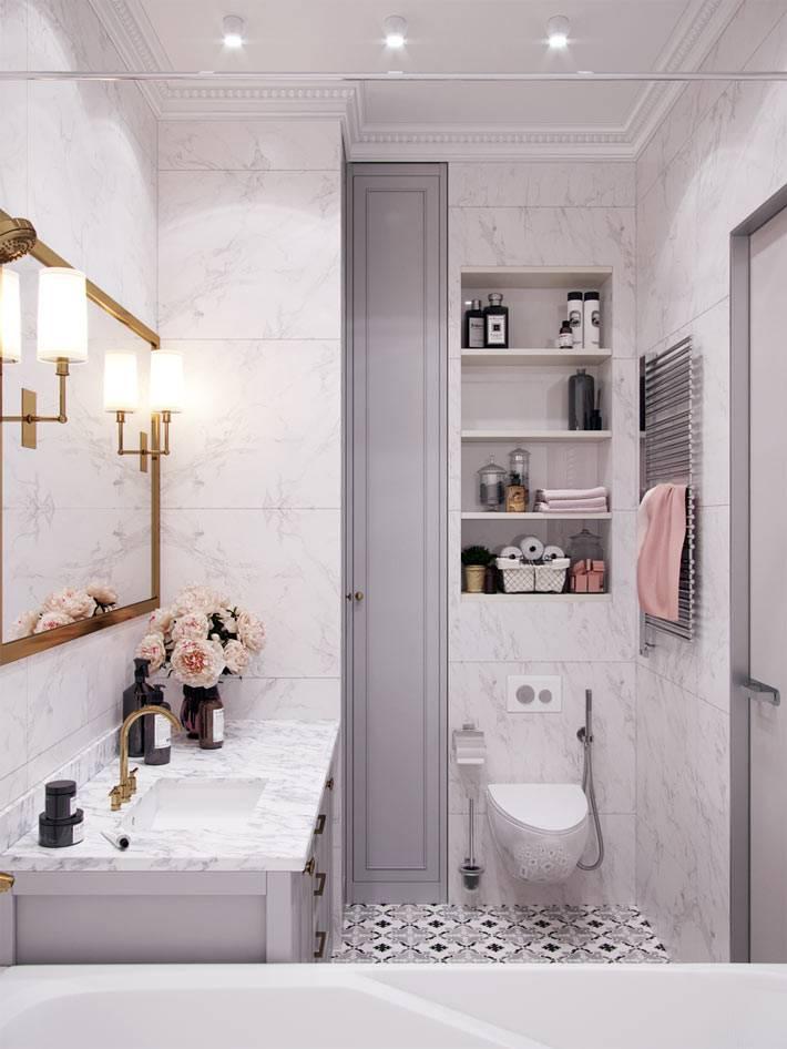 мраморная плитка в оформлении совмещенной ванной комнаты