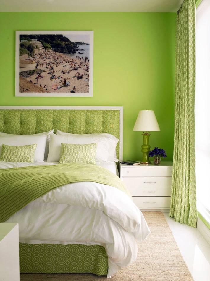 светло зеленый и салатный оттенок прекрасно подходит для оформления спальни