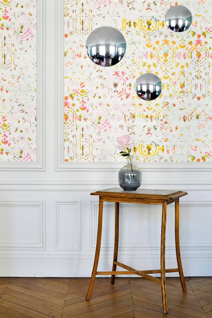 маленькие круглые зеркала в виде декора на стенах в квартире фото