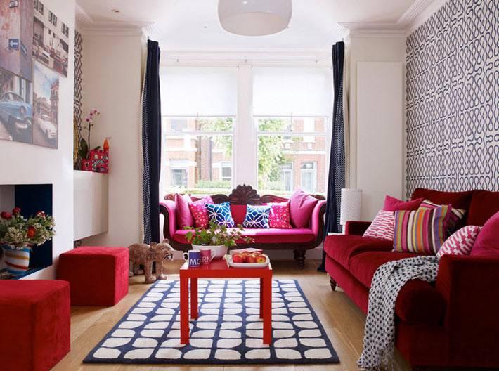 мягкая мебель для гостиной красного цвета фото
