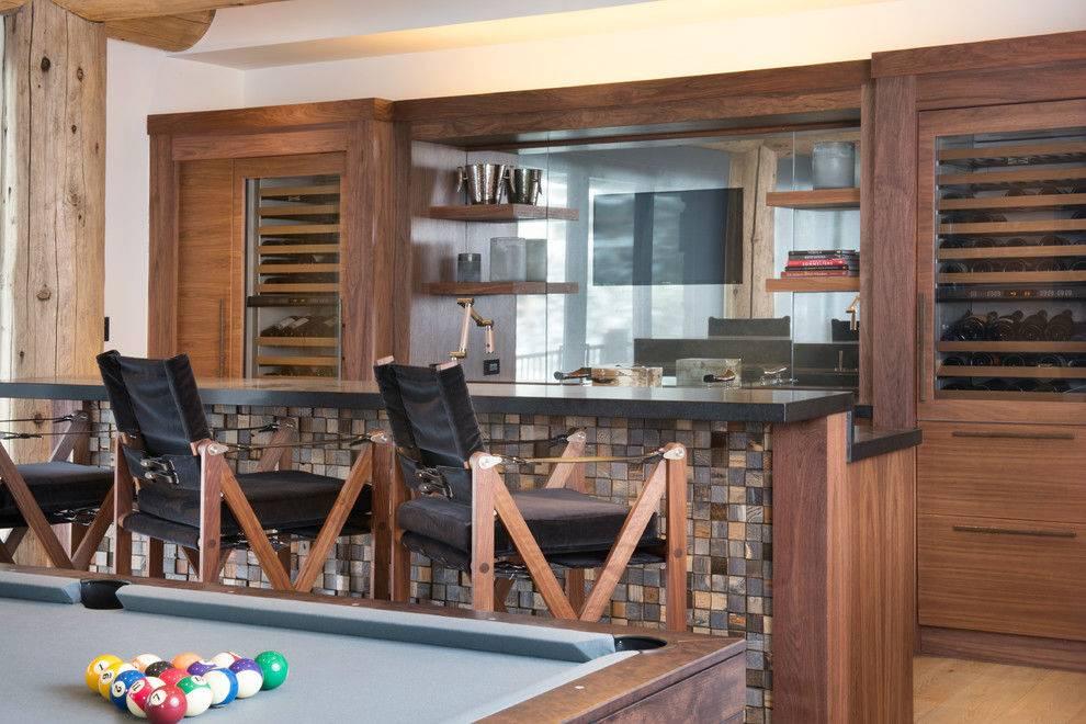 игровая комната с баром и бильярдным столом фото