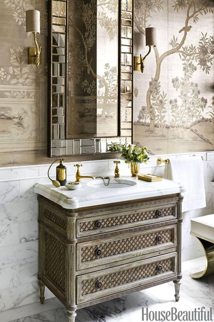 роскошные обои с китайским рисунком на стенах ванной комнаты
