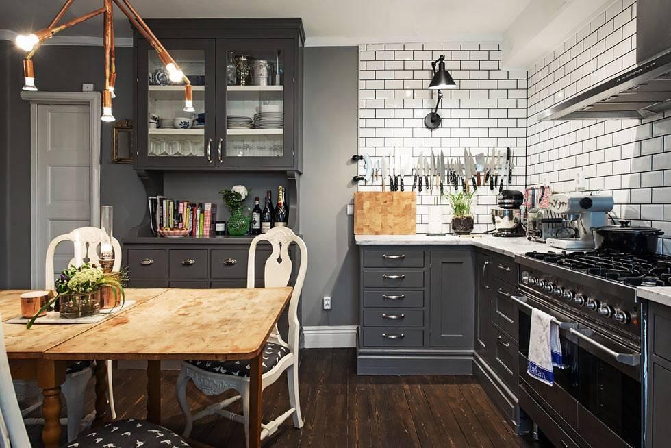 магнитная полоска на стене для хранение ножей на кухне