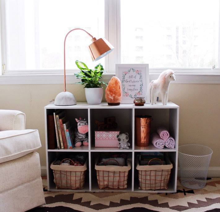 настольная лампа для детской комнаты из модного розового золота
